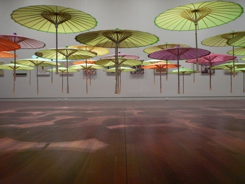BTL_exhibition view_parasol1